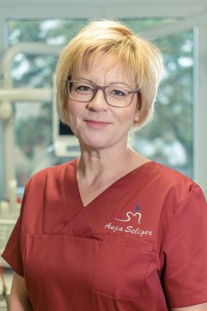 Anja Seliger – Professionelle Zahnreinigung